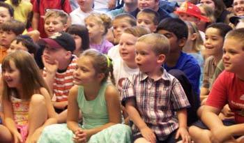 saroyan,ecoles,magicien,enfants,spectacle,64,40,educatif